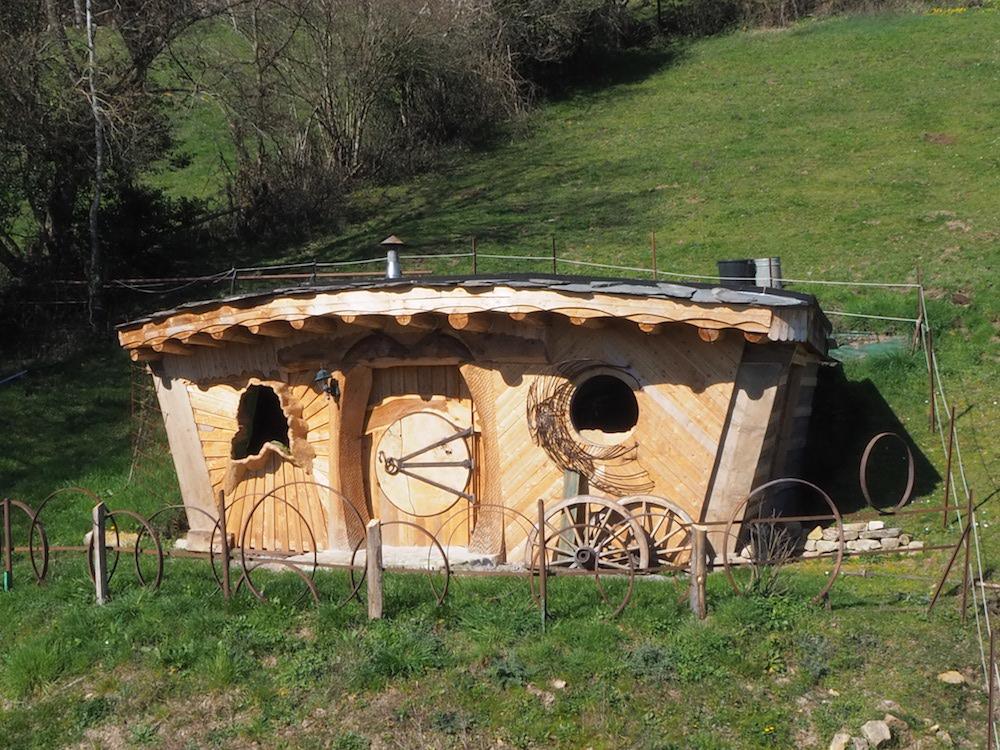 Maison de hobbit à coté de cluny